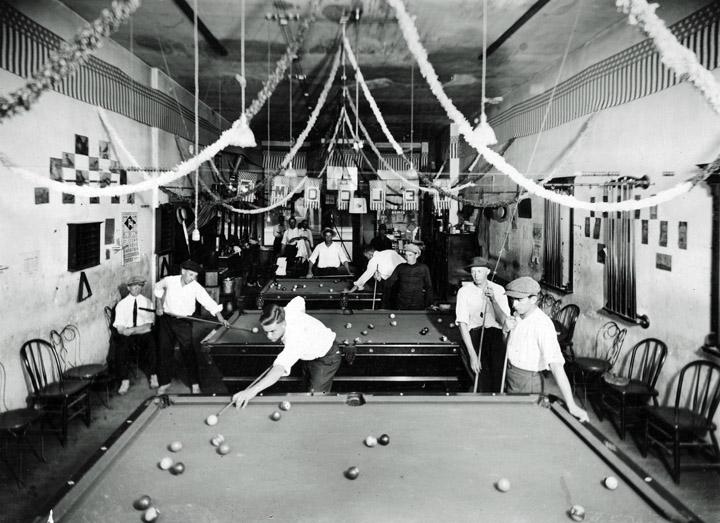 Doc Browns Pool Roomweb