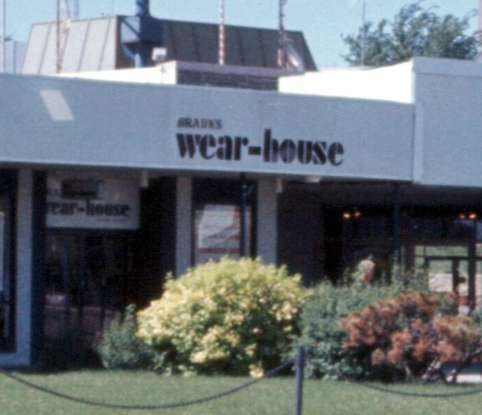 Knollwood Braun's Wear-House