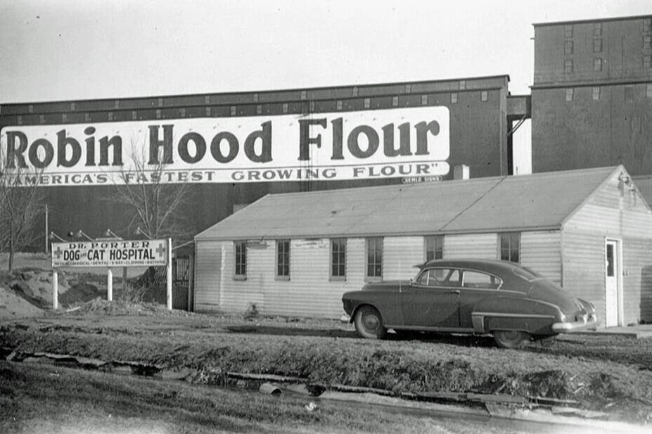 PorterDogandCatHospital1947 builtneardrainageditch1947