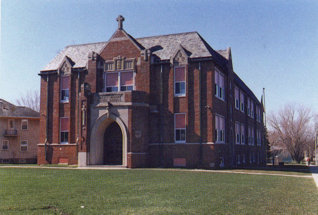 holyfamilyschool1986