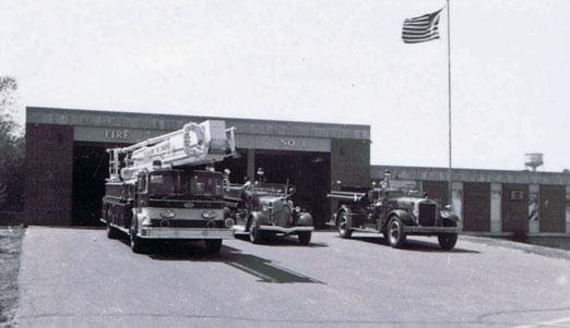 FiretrucksinfrontofSLPStation1-6-1970